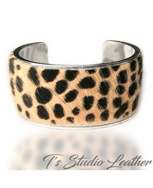 Hair-on Genuine Cowhide Leather Cuff Bracelet in Cheetah Animal Print